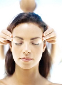 Indian-head-massage-calmer-clinics